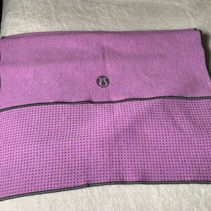 Lululemon hot yoga towel